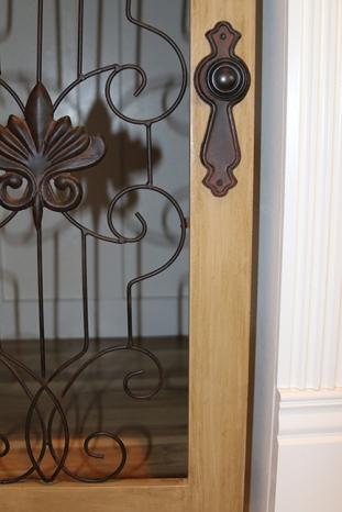 dog-den-door-painted-glazes