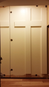 dog-den-secret-door-no-panels