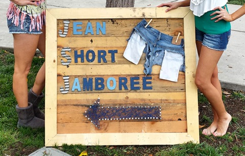 blog-jsj-pallet-sign-girls