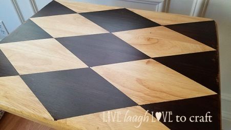 blog-tv-tray-diamond-harlequin-pattern-large