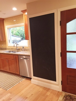 blog-kitchen-command-center-chalboard-paint-magnetic.jpg