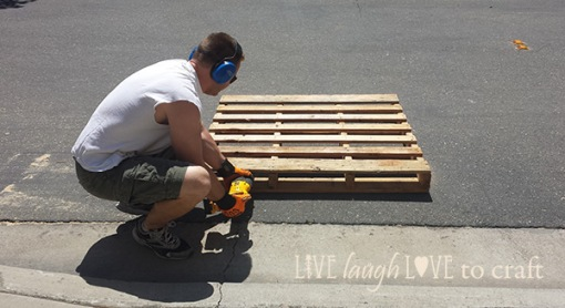 blog-pallet-sign-dismantle
