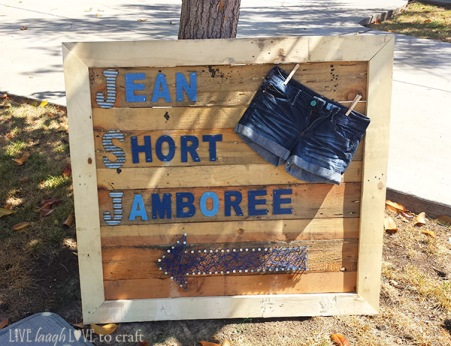 blog-pallet-sign-letters-yarn-art-arrow.jpg