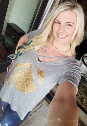 blog-football-tee-gold-sparkle-iron-on-mom