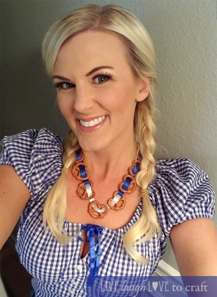 blog-bavarian-braids-lederhosen-outfit-oktoberfest.jpg