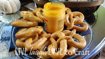 blog-oktoberfest-party-soft-pretzels-mustard-cheeese.jpg