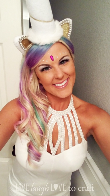 blog-unicorn-costume-pastel-hair-makeup-jewels-horn-headband